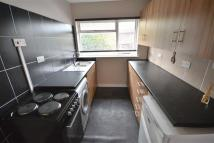 Flat to rent in Rufford Parade...