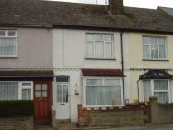 2 bed Terraced property to rent in Maple Avenue, Gillingham...