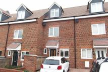 Town House to rent in Kelston Mews Kelston...