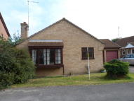 2 bedroom Detached Bungalow to rent in Chaplins Close, Coates...