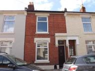 2 bedroom Terraced property in Manor Park Avenue...