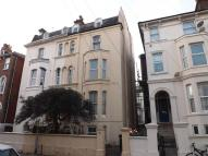 Flat to rent in Shaftesbury Road...