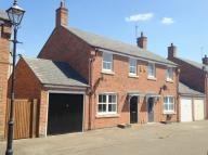 3 bed semi detached property to rent in Longdown Mews, Aylesbury