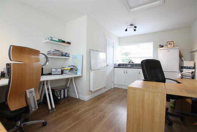 Office/Annexe
