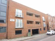 Flat to rent in Bridewell Lane...