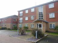 2 bedroom Flat to rent in Cole Court Reservoir...