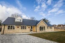 Detached Bungalow for sale in Bridge Street, Weldon...