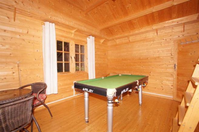 Detached Log Cabin