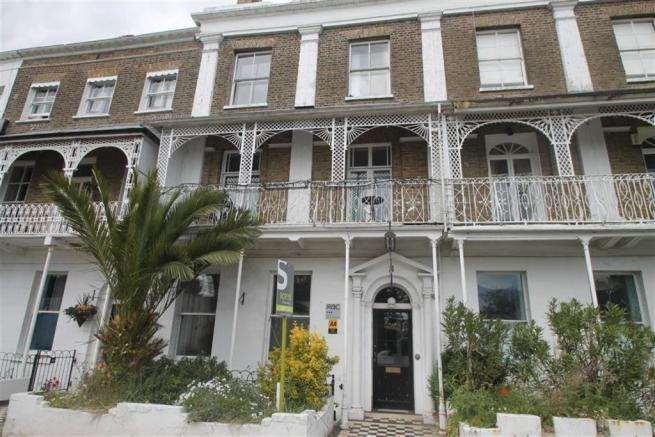 12 bedroom guest house for sale in royal terrace southend for 1 royal terrace southend on sea