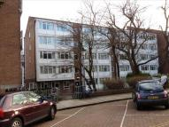 Studio apartment to rent in Kent House...