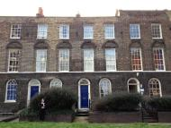 3 bedroom house in Philpot Street, London...