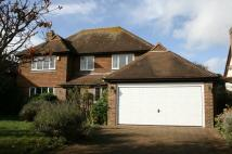 4 bed Detached property in Sunningdale Close...