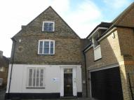 Detached house to rent in West Street, DUNSTABLE...