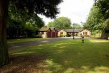4 bedroom Detached Bungalow for sale in Linney Head, Dunstable...