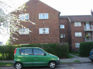 Flat to rent in 107 Chelwood Avenue...