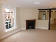 1 bedroom Apartment in Town centre...