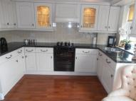 1 bedroom Ground Flat for sale in Burford Close, Ilford