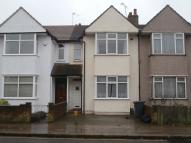 3 bed Terraced property in New North Road, Hainault...
