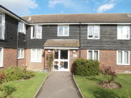 Flat to rent in Sands Way, Chigwell, IG8