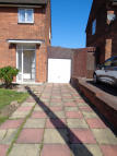 3 bed semi detached house to rent in Sylvester Gardens...