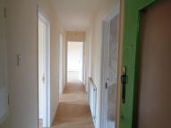 2 bedroom Flat to rent in New North Road, Ilford...