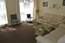 3 bedroom Apartment in Arncliffe Way, Warwick