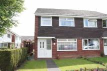 3 bedroom semi detached house in Huntingdon Close...