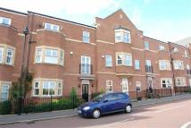 3 bedroom Terraced property in Featherstone Grove...