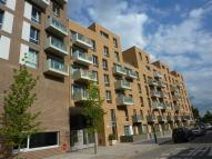 2 bed Flat to rent in St Andrews, Bow...