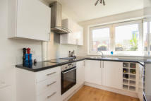 Flat to rent in Usher Road, Bow, E3