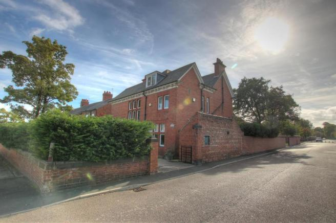 5 Bedroom Detached House For Sale In The Old Orchard Keppel