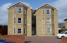 Flat to rent in Bellevue Road, Cowes...