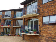 2 bed Ground Flat in Fountain Court Terminus...