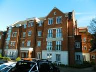 2 bed Flat in The Comptons, Horsham