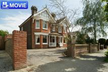 Detached house in HORSHAM