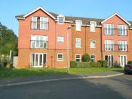 2 bedroom Flat in Maplehurst Court...