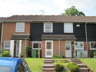 2 bedroom property to rent in Drake Close, Horsham