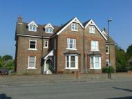 2 bedroom Flat in High Street...