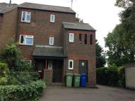 Apartment to rent in Gomm Road, LONDON