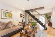 3 bedroom Detached home for sale in Ropemaker Road, London