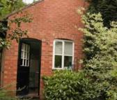 Mews to rent in Little Budworth...