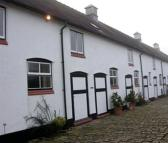 Mews to rent in Calveley Hall Lane...