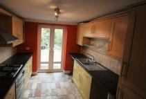 Terraced house to rent in 18 Gladstone Avenue...