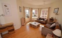 3 bed Flat in 3 double bedroom...