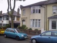 Marine Avenue Ground Flat to rent