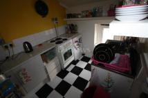 Maisonette to rent in Albany Road