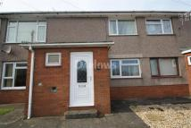Flat to rent in Clydach