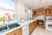 4 bedroom Flat in Poynders Road, SW4