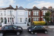 Detached property to rent in Edgeley Road