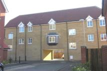 Flat to rent in Mortimer Gardens...